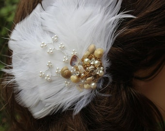 Cute white color  feather  clip
