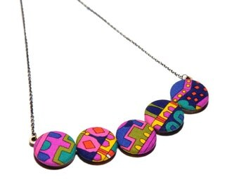 Vibrant Psychedelic Print Statement Necklace