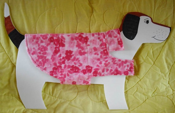 Pretty Pink Abstract Floral Fleece Dog Coat size Medium (20-25 lbs.) with hearts on cotton lining. Cozy, Warm and Cute.
