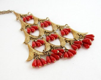 Red Bead Fringe Necklace - Vintage Gold Necklace - Mid Century Modern Jewelry - Brass Pendant Necklace - Hollywood Regency Bollywood Fashion