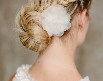 "Bridal Silk Flower, Wedding Hair Flower - ""Flor"""