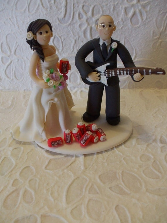 guitar player wedding cake topper customized and groom with guitar wedding cake topper 15015