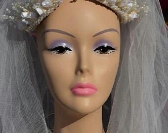 Elegant Vintage Faux Pearl Wedding Headpiece with Veil