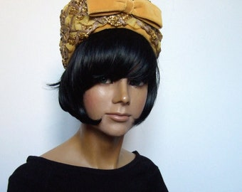 Vintage 1960s Pill Box Hat- Jackie O, Mad Men