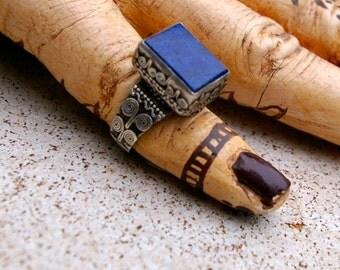 Vintage Tribal Ring- Afghanistan Lapis Lazuli Number 7, Size 8