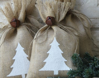 "Burlap Gift Bags, White Christmas Tree, Set of FOUR, 7"" X 11"", White and Natural, Rustic Jingle Bell Tie On, Shabby Chic Wrapping, Treat Bag"
