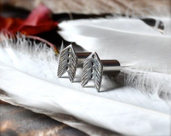 2 Gauge Arrow Vane Chevron Silver Plugs- made to order