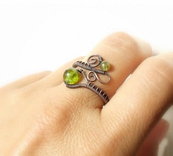 Birthstone peridot ring, olivine copper ring, green stone rustic jewelry, birthday gift for women