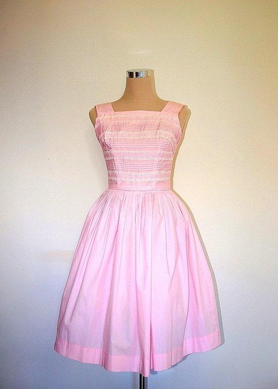 Vintage 50's dress. Betty Barclay Vintage Dress. Full Skirt Dress. Pink Cotton. Swing Dress. Prom Dress. Summer Dress. Mad Men Fashion.