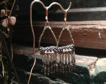 Earrings: Hematite, cultivated pearl beadwoven