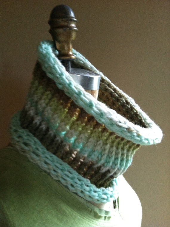 Knitted Infinity Circle Scarf.  Hand Knitted with Luxurious Hand Dyed Wool Yarn. Fashion Accessory. Irish green. St. Patricks Day scarf