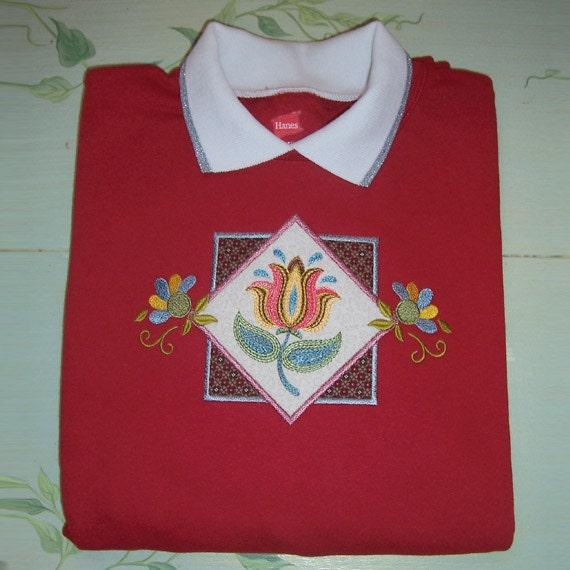 Large - Flower Applique Embroidered Sweatshirt