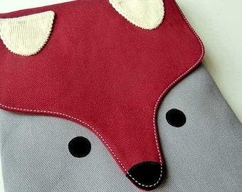 iPad Case/Sleeve - The Fantastic Fox (Burgundy Gray)