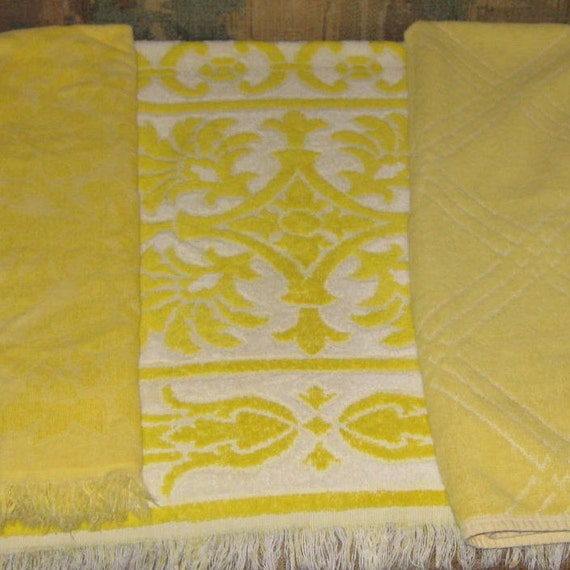 Fieldcrest Purple Towels: Vintage Towels 3 Bath Towels Yellow All Different