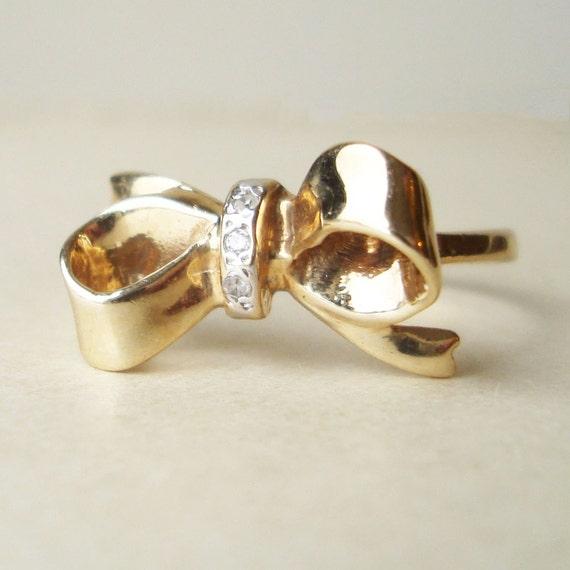 Vintage Diamond Bow Ring, 10k Gold Vintage Diamond Ring Approximate Size US 6