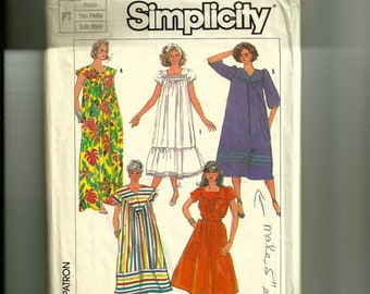Vintage Simplicity Misses' Easy to Sew Dress in Two Lengths Pattern 7493