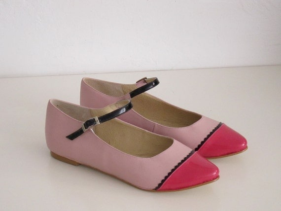 Two-tone leather mary-jane point toe flat shoe