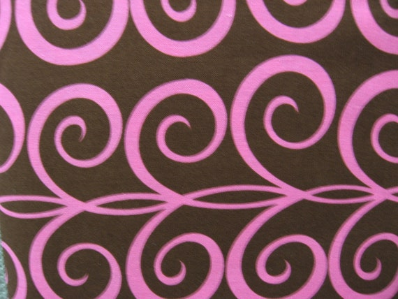 MM Brown Twirling Tendrils - DC4322 - Brown with pink - 1 yard