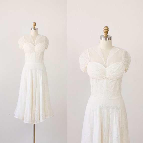 White Tulle & Lace VIntage Wedding Dress