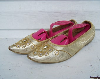 Vintage 1960s Sparkly Harem Flats / Vintage Travel Slippers / Gold and Rhinestone Slippers