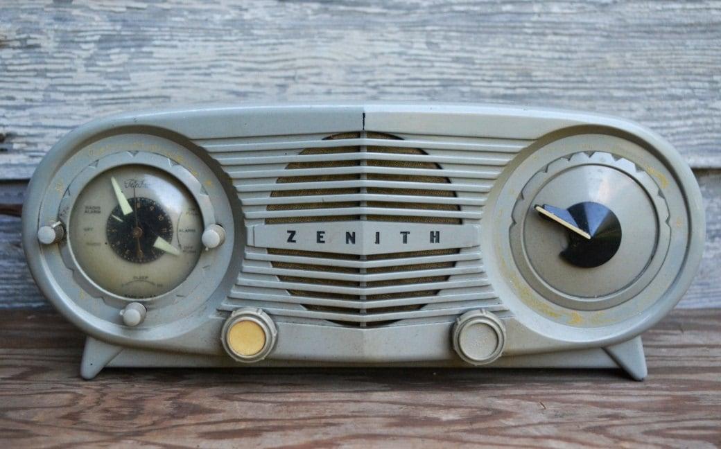 Zenith Deluxe Vacuum Tube Alarm Clock Radio Vintage 1952 ... |Zenith Clock Radio