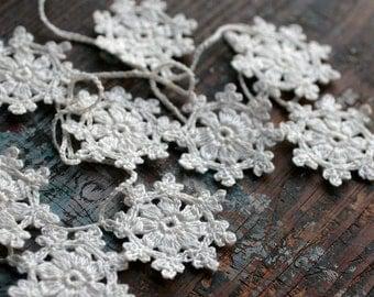 Crochet Garland - Small Doily Bunting -- Snowflake garland - white linen -- 18 snowflakes