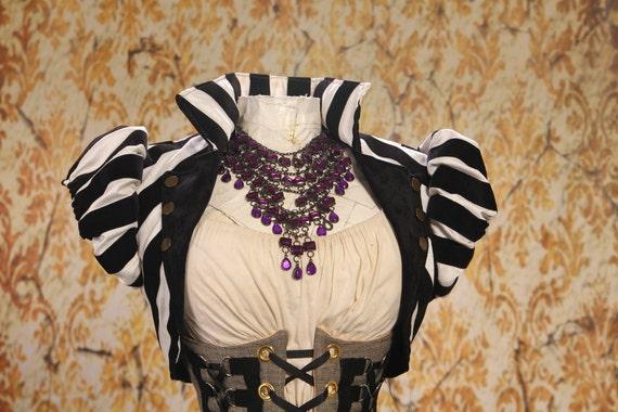 Size 2X-Large Black and White Wren Jacket