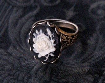 Black Rose Cameo Ring - Silver