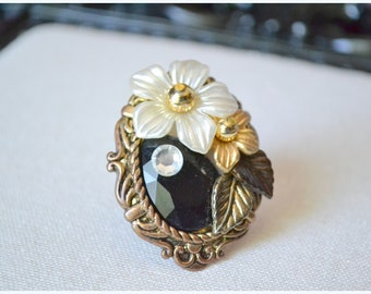 Vintage Upcycle Flower collage ring