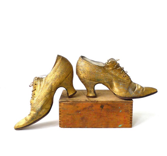 Antique Metallic Gold Brocade Pointy Toe Heels