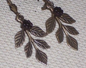 Simple Filigree Leaf Earrings Vintage Style FREE SHIPPING to the USA