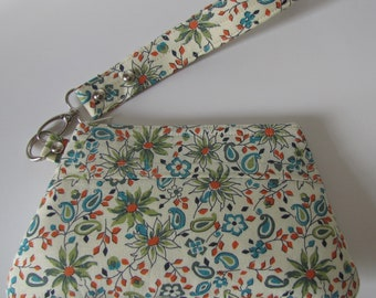 Wristlet in Cream Multi Floral