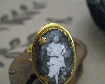 The Real Alice in Wonderland Ring