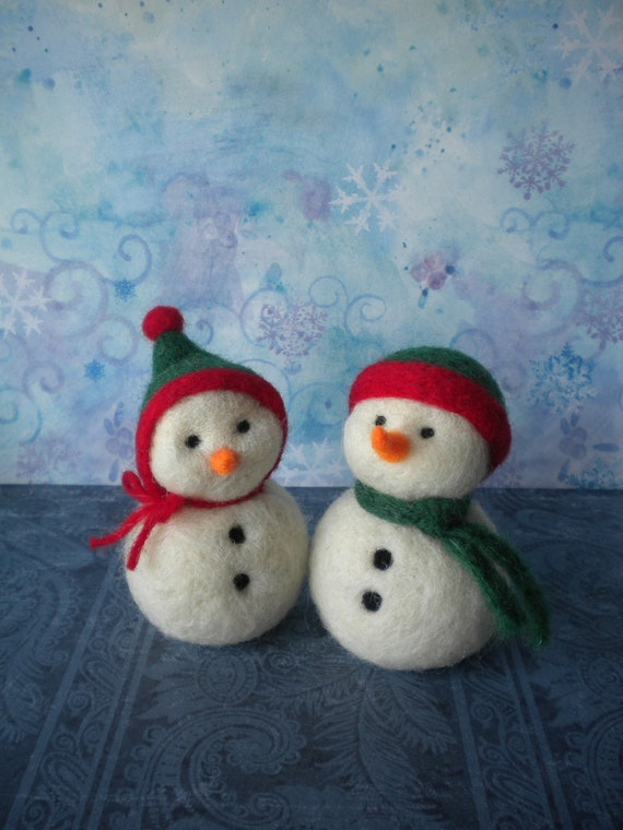 Needle Felted Mini Snow Couple