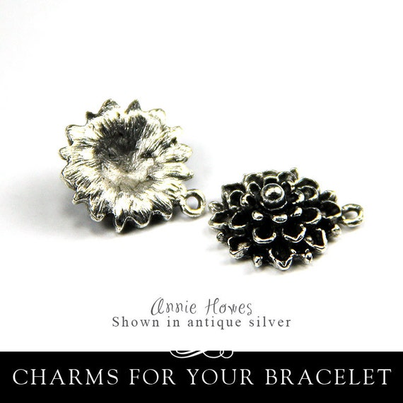 Flower Mums Charm in Antique Silver. A Charming Little Flower. Sold as single. MFCS-B