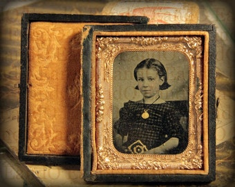 Rare Antique Hand Tinted Cased Tintype Portrait of a Young Girl 1/9th Plate in Beautiful Case