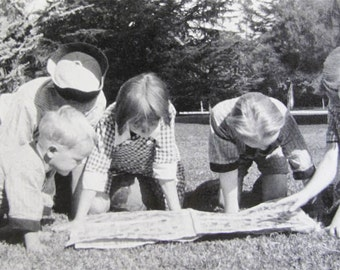 Vintage Photo Greeting Card Freeman 5 Children Reading the Funny Papers Comic strips The Funnies