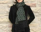 Save 50%- Key Knit Winter Scarf - Moss green and black