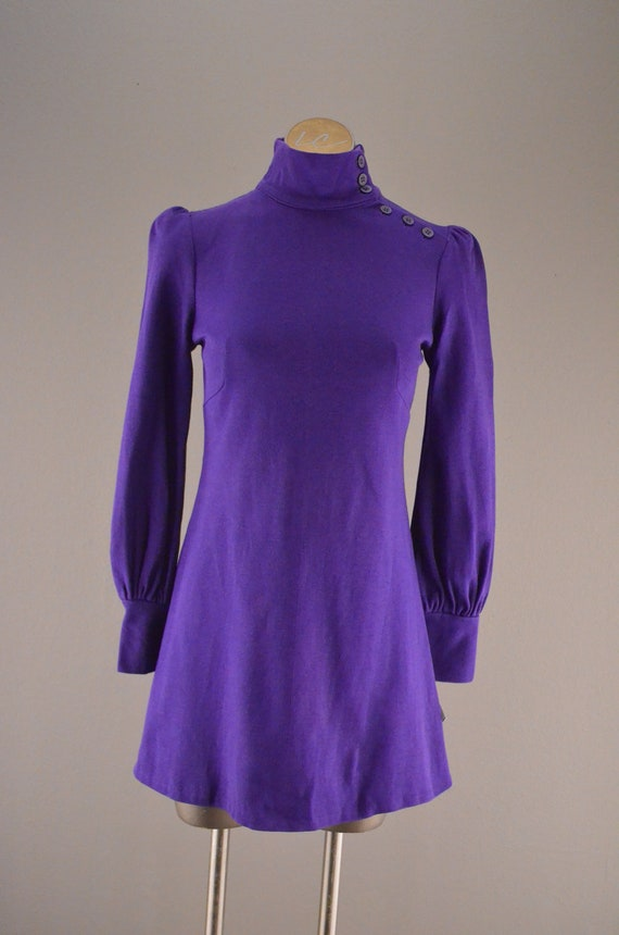 1960s purple micro mini /  Vintage mod dress / 60s Biba style tunic