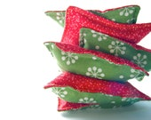 Snow on Christmas: Six Bean Bags, Filled with Real Beans, Set of 6, green red