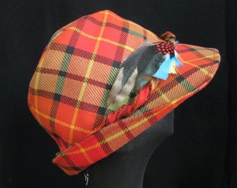 UNISEX High Crown Fabric Hat with Feathers