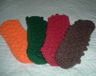 Crocheted Swiffer Covers  Set of 4   Red Green Brown Orange