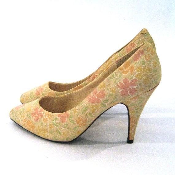 vintage 80s Floral Cotton Heels / Pastel Floral Shoes /  Size 7