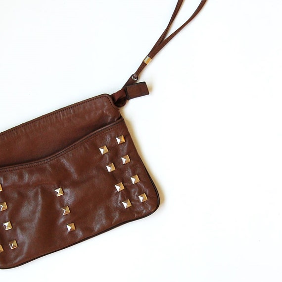 vintage STUDD clutch / 1970s taupe LEATHER wristlet