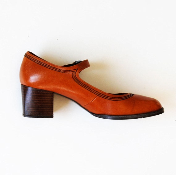 vintage MARY JANES /  1960s cognac leather STACKED wood heel