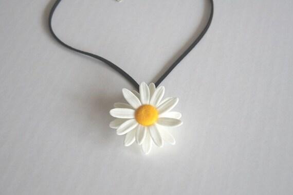 Bridesmaid Gift - Spring Daisy Necklace