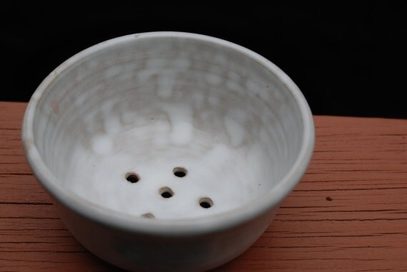 1 small white berry bowl  personal size