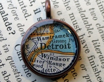 Detroit Michigan Map Pendant in small round Copper, Map Jewelry Vintage Detroit road map