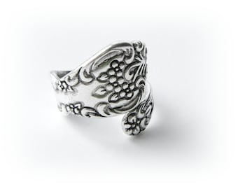 SILVER RING - Silver Floral Spoon Ring ~ Antique Silver Ring ~ Adjustable Statement Ring (RD-2)