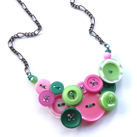 Funky Bright Button Jewelry Necklace in Shades of Pink and Greens